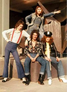 70s Artists, Slade Band, Rock Bands, My Music, Style, Fashion, Classic Rock, Music, Swag