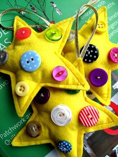 Christmas Decoration 1 Sherbet Star x dipped in by SnowFish, Homemade Christmas, Christmas Time, Christmas Crafts, Christmas Decorations, Christmas Stuff, Button Art, Button Crafts, Felt Crafts, Diy Crafts