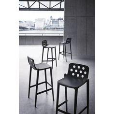 Barová designová židle Isidora, ideální pro snadnou údržbu.