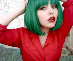 emerald hair. so lovely.