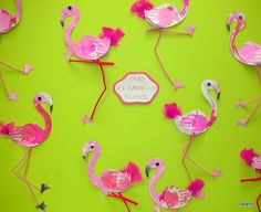 Tippytoe Crafts: Feather-Painted Flamingos