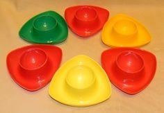 70ziger Jahre Retro Eierbecher / Plastik          von anno-dazumal-24h auf DaWanda.com