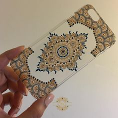 Made myself a much needed phone case. Inspired by another artist, can't recall her username, feel free to tag her... #mehndi #mendhi #henna #mehndiart #mehndiartist #bridal #bridalhenna #bridalmehndi #bridalmendhi #hennaart #hennaartist #mendhiart #mendhiartist #hennacandle #mehndicandle #mendhicandle #hennathaals #thaal #mehndithaal #mendhithaal #hennathaal #intricatemehndi #intricatehenna #intricatemendhi #vegas_nay #shaadi #lookamillion #hudabeauty #zukreat #mayamiamakeup