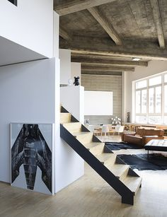 """Behomm Community. Loft penthouse in Torino owned by an architect and an art director with two little kids. Home ID 285. Adrianna, after her exchange, said """"... We spent a weekend in Massimiliano's black and white, modern and zen apartment. The design, the"""