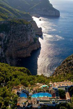 Exterior of Hotel Hacienda Na Xamena, Ibiza, Spain Menorca, Eivissa Ibiza, Ibiza Formentera, Places To Travel, Travel Destinations, Places To Go, Ibiza Holidays, Balearic Islands, Spain And Portugal
