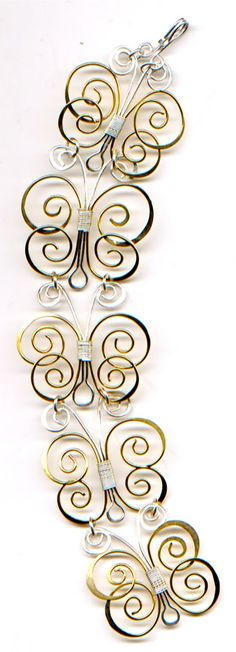 Free tutorial...BUTTERFLY BANGLE! http://wireworkersguild.blogspot.ca/2011/07/wireworkers-guild_24.html