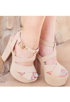 Classic Chelsea heels in nude with a chunky heel, crisscross up to an ankle strap with cute buckle and peep toe Fancy Shoes, Pretty Shoes, Crazy Shoes, Beautiful Shoes, Nude Shoes, Pumps Heels, High Heels, Mode Adidas, Shoe Boots