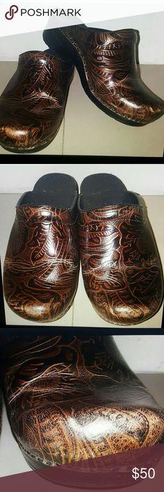 Dansko clogs size 39 brown leather Dansko open back clogs  Brown  Leather Size 9 or 39 Made in brazil dansko Shoes Mules & Clogs