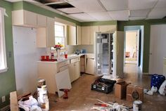 BEFORE AND AFTER 12 Kitchen Remodeling Projects-9