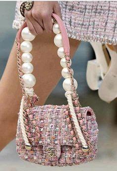 Chanel summer spring 2019 Paris show , Paris fashion week Burberry Handbags, Chanel Handbags, Chanel Pearls, Chanel Pink, Pink Pearls, Chanel Vintage, Zara Bags, Purse Styles, Beautiful Bags
