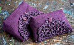 Linen clutch pouch purse makeup bag crocheted detail by namolio- Crochet Basket Pattern, Crochet Flower Patterns, Crochet Flowers, Sewing Patterns, Crochet Pouch, Crochet Purses, Handmade Clutch, Handmade Bags, Crochet Mobile