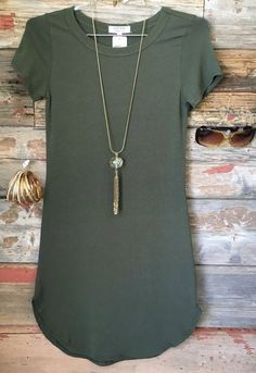 The Fun in the Sun Tunic Dress in Olive is comfy, fitted, and oh so fabulous! A great basic that can be dressed up or down! Sizing: Small: Medium: Large: True to Size with a Stretchy, Fit love the color and necklace too! Cute Dresses, Casual Dresses, Casual Outfits, Cute Outfits, Dress Outfits, Tunic Dresses, Fitted Dresses, Hip Hop Mode, Fall Outfits