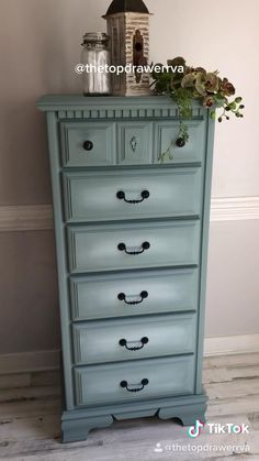 Painted furniture with Dixie Belle Refurbished Furniture, Diy Furniture Renovation, Furniture Makeover Diy Dresser, Furniture, Furniture Makeover, Furniture Renovation, Home Diy, Furniture Projects, Redo Furniture