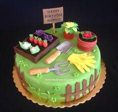 Gardening cake Birthday Cakes, Happy Birthday, Garden Cakes, Bae, Hobbies, Gardening, Desserts, Food, Happy Brithday