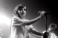 CHVRCHES' Lauren Mayberry - Love everything about her look
