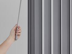 A new gear and triangular wand which makes the operating process easier and smoother - simply use one hand to tilt the blades and draw across. #luxaflexaus #luxaflex #verticalblinds #luxaflexverticals #edgevertical #newdesign #homeinterior #windowfashion #windowdesign #windowinnovation