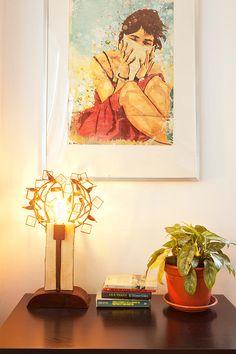 Lámpara de mesa en hierro envejecido  y madera de roble ( 30 x 55 x 20 cm) #Arte, #lampara, #metal, #muebles #diseño #artesano. #Art, #lamp, #furniture #craftsman #design