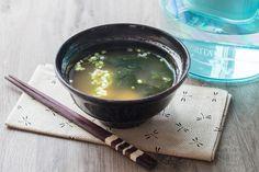 """750g vous propose la recette """"Soupe Miso"""" en pas à pas. Avec une photo pour chaque étape, la réalisation de cette recette est un jeu d'enfant."""