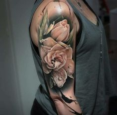 Best Tattoos for Men and Women 02 Tulips Tattoo, 3d Flower Tattoos, Rose Tattoos, Body Art Tattoos, Floral Sleeve Tattoos, Half Sleeve Tattoos, Tatoos, Tattoo Art, Small Tattoos
