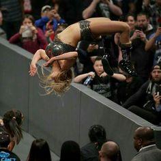 Wrestling Divas, Women's Wrestling, John Cena Nikki Bella, Charlotte Flair Wwe, Wwe Women's Division, Ric Flair, Raw Women's Champion, Wwe Wrestlers, Female Wrestlers