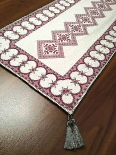 Embroidery Designs, Elsa, Diy And Crafts, Bohemian Rug, Cross Stitch, Rugs, Decor, Cross Stitch Embroidery, Punto De Cruz