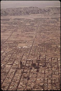 Arizona historical photographs depicting scenes from earlier decades in the state& history. Enjoy these pictures of Phoenix and Arizona! Pictures Of Phoenix, Phoenix Skyline, Arizona History, Phx Az, Great America, Downtown Phoenix, Peru Travel, Phoenix Arizona, Aerial View
