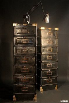 tr s anciennne armoire industrielle ondul e estampill e strafor des forges de strasbourg 2. Black Bedroom Furniture Sets. Home Design Ideas