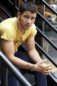 Image uploaded by Erika Alfaro. Find images and videos about nick jonas, jonas brothers and jonas on We Heart It - the app to get lost in what you love. Nick Jonas Olivia Culpo, Jonas Brothers, Hommes Sexy, Man Crush, Celebrity Crush, Celebrity Guys, Celebrity Style, Cute Guys, Pretty Guys