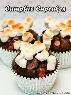 Gather around the bonfire (campfire), drop those sparklers and dig into these chocolate + chocolate chip and roasted marshmallow cupcakes.