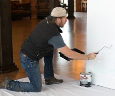 Chip Gaines' Best Advice For Fixing Up Your Favorite Space Chip Gaines, Chip And Joanna Gaines, Painting Tips, House Painting, Painting Walls, Magnolia Homes Paint, Drill Holder, Garage Storage Solutions, Scorpio Men
