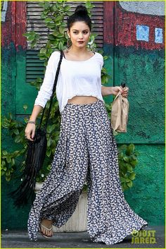 love the boho look! amazing bag! hair and make up perfect!