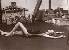 """Das Model Veruschka von Lehndorff spielte zusammen mit David Hemmings in """"Blow Up""""."""