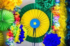 Brazylijskie rozetki z papieru. #DIY #handmade #smacznastrona #tesco #karnawal #rozetki