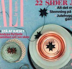 Flat folded Black star Garlands in ALT no 45 2013. Stars made by Stjernestunder.dk #Origami #stars #folded #stjernestunder