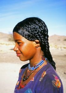Chebe powder /Shebe powder & seeds from Chad, how Chewe mixture helps grow long natural afro hair. Natural Afro Hairstyles, African Hairstyles, Braided Hairstyles, 4c Hair Growth, Natural Hair Growth, Natural Hair Tips, Natural Hair Styles, Tribal Hair, Hair Health