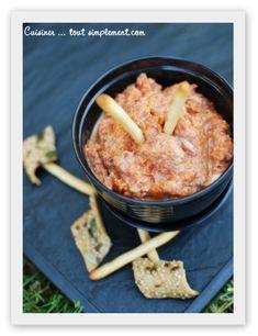 Une idée de recette pour un petit apéro entre amis ... c'est de saison!!! Ingrédients : 125g de Chorizo doux 1 tomate 1/4 de concombre 1/2 échalote 1/2càs de concentré de tomate 2càs de fromages aux fines herbes sel, poivre Peler la tomate après l'avoir...