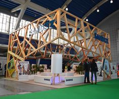 BLOKO - Skelital exhibits done right can really stand out from the crowd. - TriadCreativeGroup.com