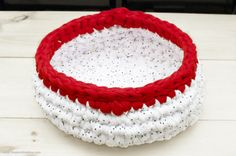 Tutorial: Super Bulky Crocheted Cat Bed | The Zen of Making                                                                                                                                                     More