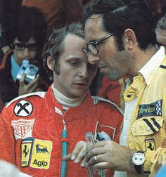 Niki Lauda e Mauro Forghieri 1975 Ferrari F1, F1 Drivers, Formulas, Car And Driver, Road Racing, Formula One, Grand Prix, Automobile, Baseball Cards