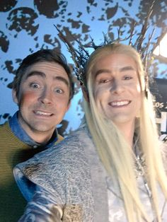 LeePace and a Thranduil cosplayer. LeePace and RichardArmitage at NYC's Screening, LA Times Hero Complex Q&A Tolkien Hobbit, Lotr, The Hobbit, Thranduil Cosplay, Lee Pace Thranduil, Legolas, Elf King, Lady And Gentlemen, Middle Earth