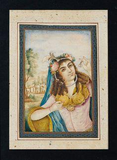 پرتره بانوی جوان با تاج به سبک اروپایی، سده ۱۹ ترسایی، گواش، آبرنگ بر روی کاغذ، ۱۳.۶ در ۹.۵ سانتیمتر، خانه حراج ساتبی EUROPEAN STYLE PORTRAITS OF YOUNG LADIES, PERSIA, 19TH CENTURY gouache sur papier collé sur page cartonnée, représentant une jeune femme coiffée d'une couronne perlée Aquarelles : 13,6 x 9,5 cm
