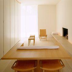 John Pawson's Living Room Sofa/Desk combo. Minimalist Architecture, Minimalist Home Interior, Interior Architecture, Ancient Architecture, Sustainable Architecture, Minimalist Design, Landscape Architecture, Interior Styling, Interior Design