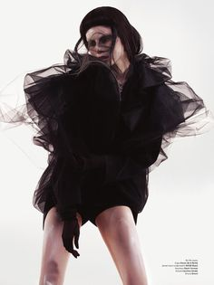 cool chic style fashion: PHOTO FASHION | BUTOH IN BLACK