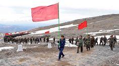 당선전일군들 혁명의 성산 백두산 답사,백두산밀영고향집 방문
