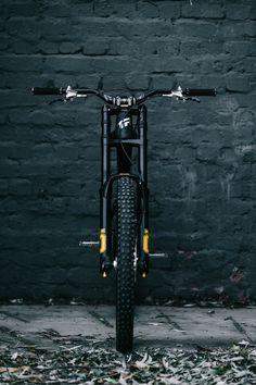 4 Bike Checks from DarkFest 2020 - Pinkbike Downhill Bike, Mtb Bike, Bmx, Swansea, Mountain Biking, Kona Bikes, Mountian Bike, Bike Frame, Car Wheels