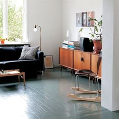 Gray painted floors. A minimalist home project.