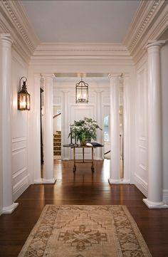 Family Home with Classic Coastal Interiors Beautiful traditional foyer. Sconces are from Charleston Lighting Classic Interior, Home Interior Design, Gray Interior, Luxury Interior, Modern Interior, Casas Na Georgia, Decoration Hall, Flur Design, Design Design