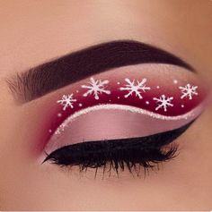 Another eye make-up inspired by Christmas. - Another eye make-up inspired by Christmas. Brew: waterproof cream color in d - Creative Eye Makeup, Eye Makeup Art, Cute Makeup, Party Makeup, Makeup Inspo, Makeup Inspiration, Makeup Ideas, Makeup Lips, Glam Makeup