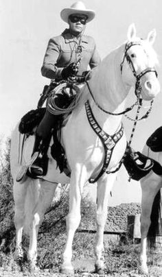 "The TV series ""The Lone Ranger with the main character 'The Masked Man' Western Film, Western Movies, Mejores Series Tv, Vintage Tv, Vintage Horror, Vintage Movies, Radios, Tv Westerns, The Lone Ranger"