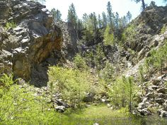 High Climb pegmatite by Dakota Matrix, via Flickr
